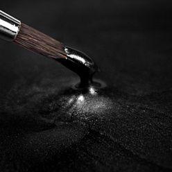 Tekutá hotová farba - metalická čierna